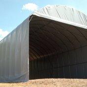Struttura coperta in PVC ignifugo larga mt.10, lunga mt. 22 con testate scorrevoli e altezza utile mt. 5,30