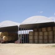 Struttura multipla composta da 2 strutture da mt. 10x15 coperte in PVC ignifugo per magazzino paglia e macchine agricole